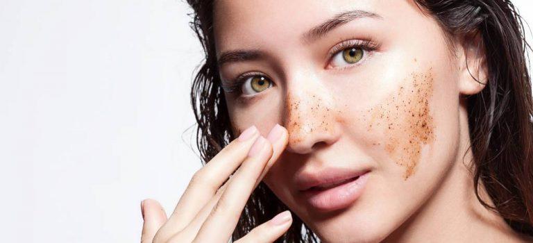 Comment atténuer une tache brune sur le visage ?