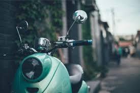 Les avantages de voyager dans un taxi-moto à Paris