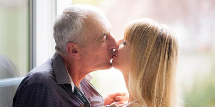 Différence d'âge dans un couple : l'amour est-il possible?
